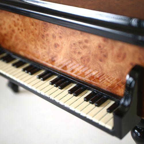 イタリア象嵌ピアノ